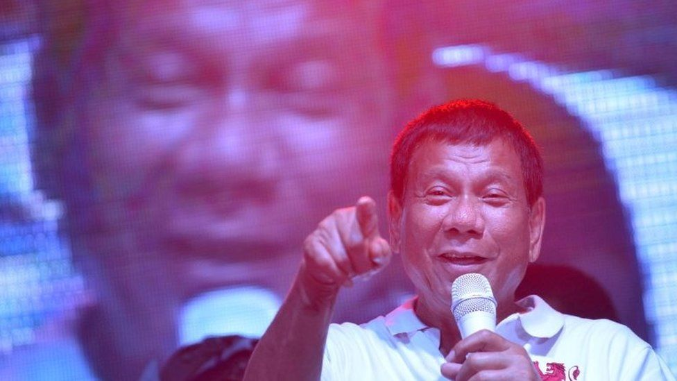 Duterte speaks at a rally in Manila (1 May 2016)