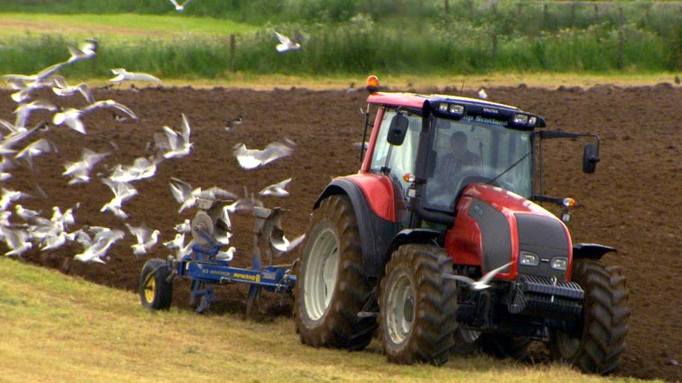 Farmers 'should think more like pilots' for safety, say researchers