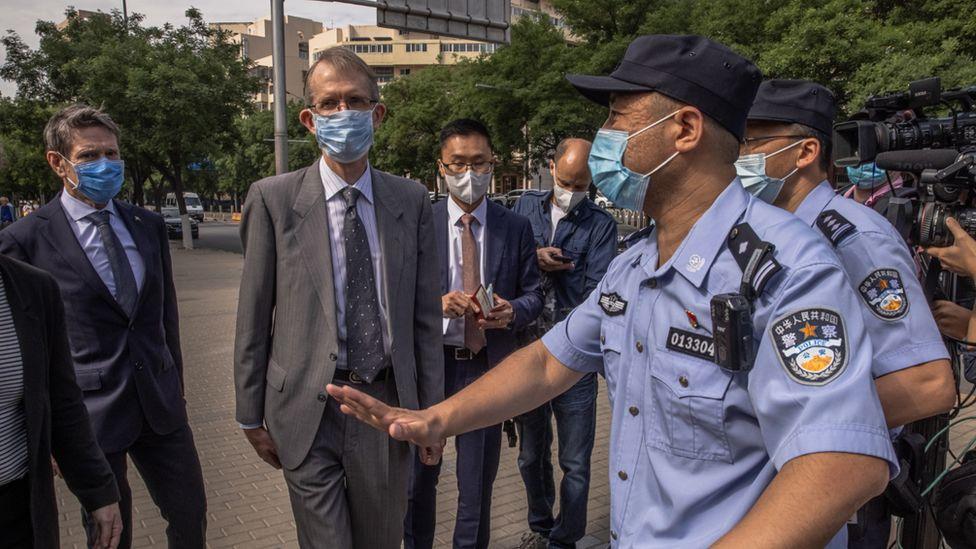 Police outside Yang Hengjun's court trial in Beijing stop Australian diplomats from entering