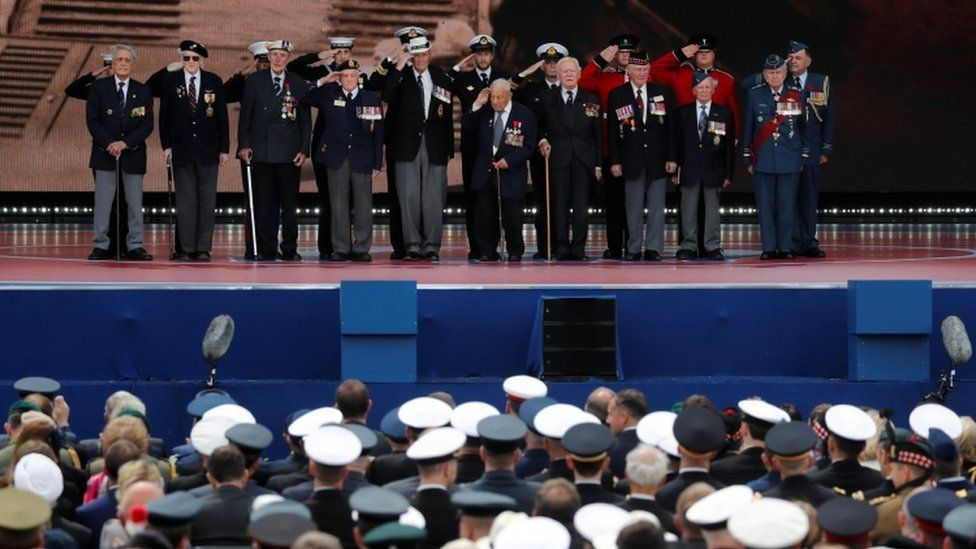 Veterans went on stage to be honoured by the audience