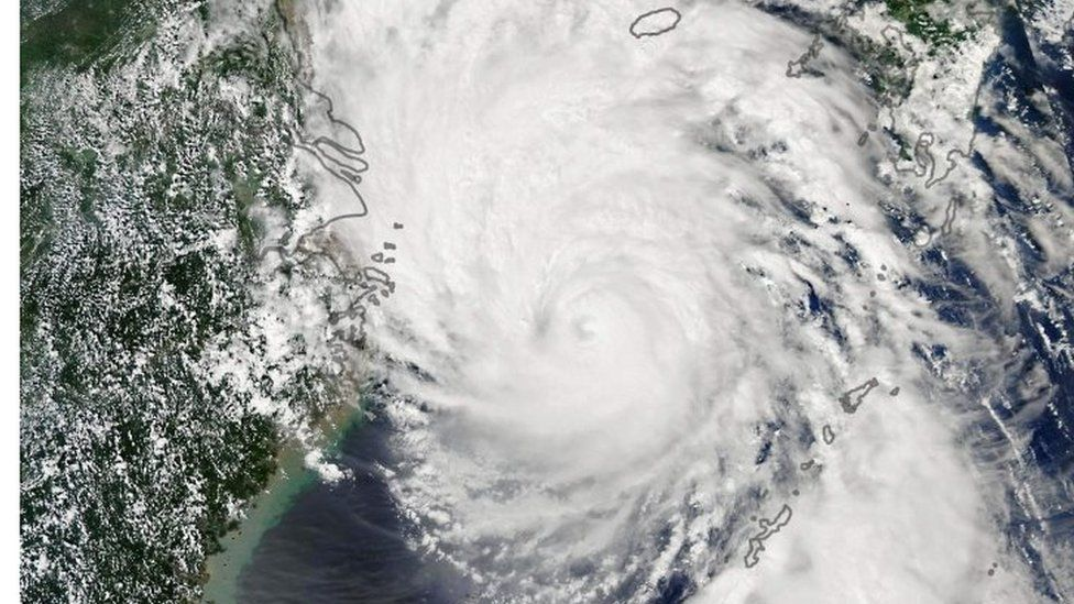 Typhoon Lingling seen by Nasa's Earth Observatory as it approached the Korea peninsula on Friday, 6 September