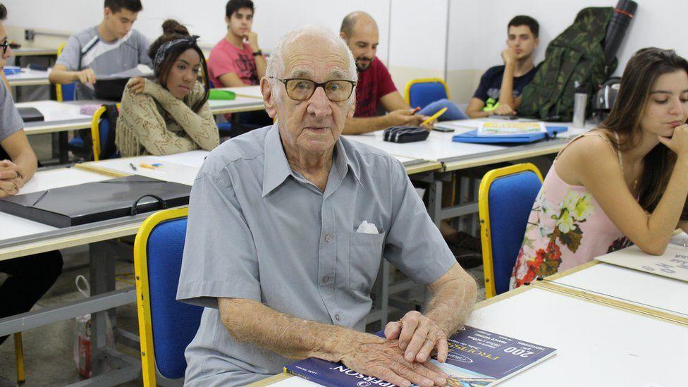 Volta às aulas aos 90 anos: os idosos brasileiros que decidiram ir à faculdade