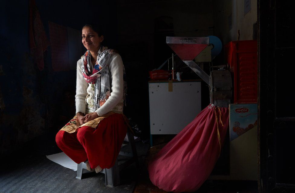 Oscars 2019: The Indian sanitary pad makers' story wins