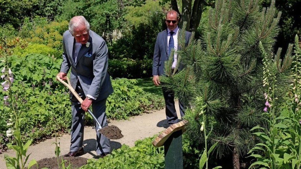 Prince Charles at Oxford Botanic Garden