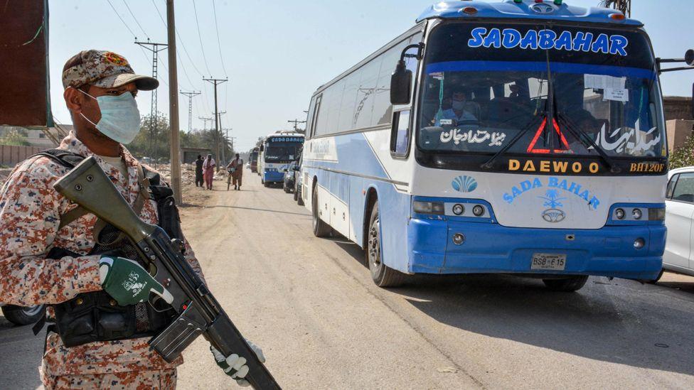 Pilgrim buses arriving at Taftan, 18 Mar 20
