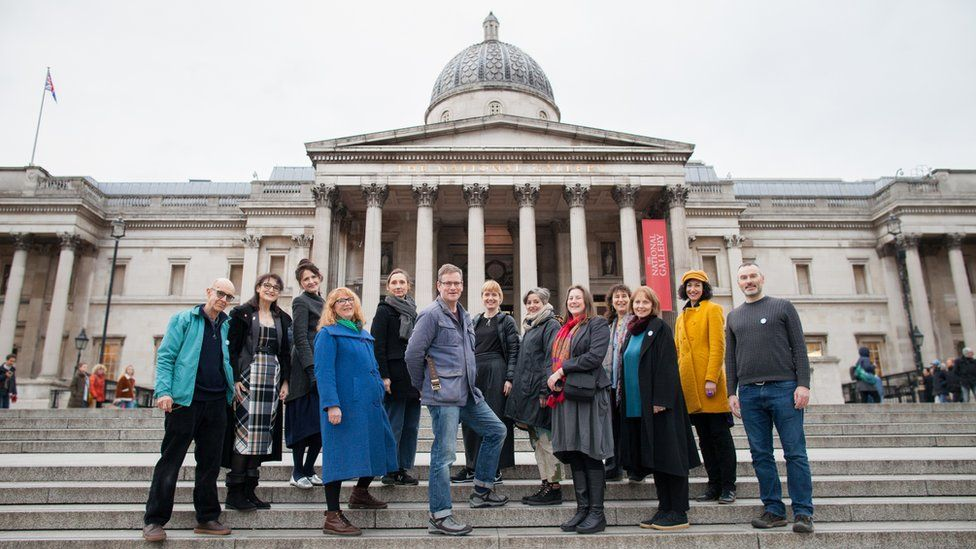 The group outside the National Gallery