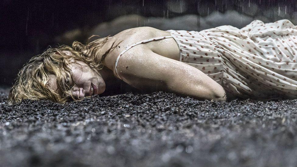 Billie Piper in Yerma