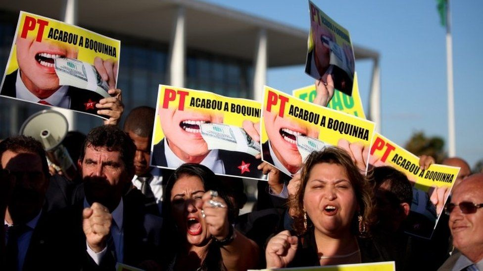 Protest against Dilma Rousseff in Brasilia (06 May 2016)