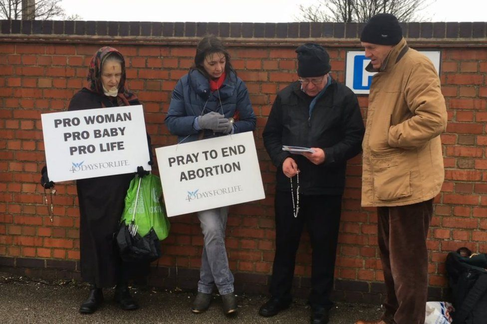 40 Days for Life activists at the QMC on 14 February 2018