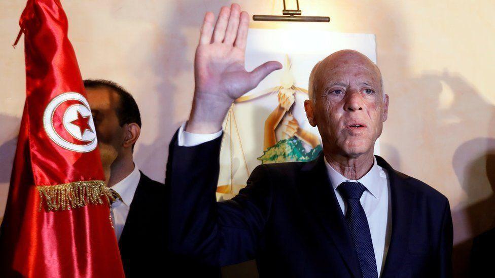 """تجربة تونس مع قيس سعيد تثبت أن الديمقراطية """"ممكنة"""" في العالم العربي"""