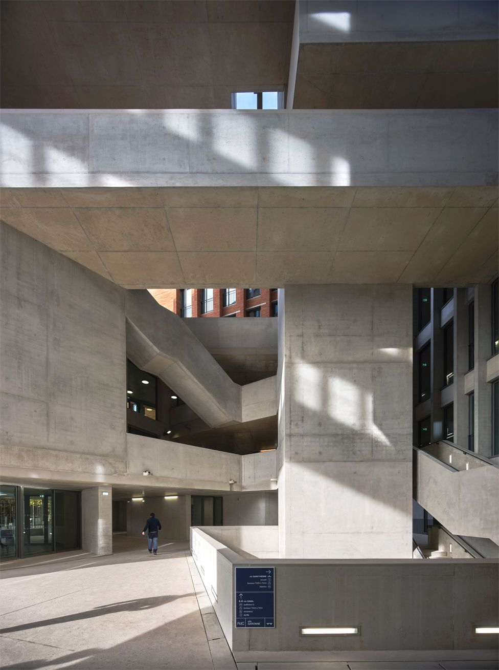 Escuela de Economía de la Universidad de Toulouse I Capitole, en Toulouse, Francia (2019)