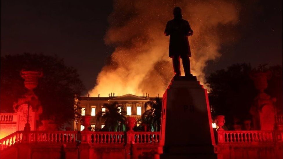 Firefighters try to extinguish a fire at the National Museum of Brazil in Rio de Janeiro, Brazil September 2, 2018