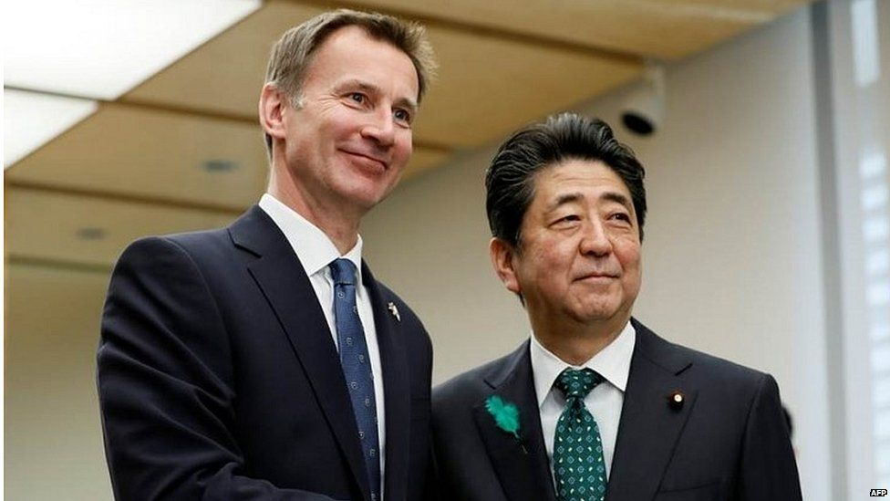 Jeremy Hunt meets Japanese prime minister Shinzo Abe