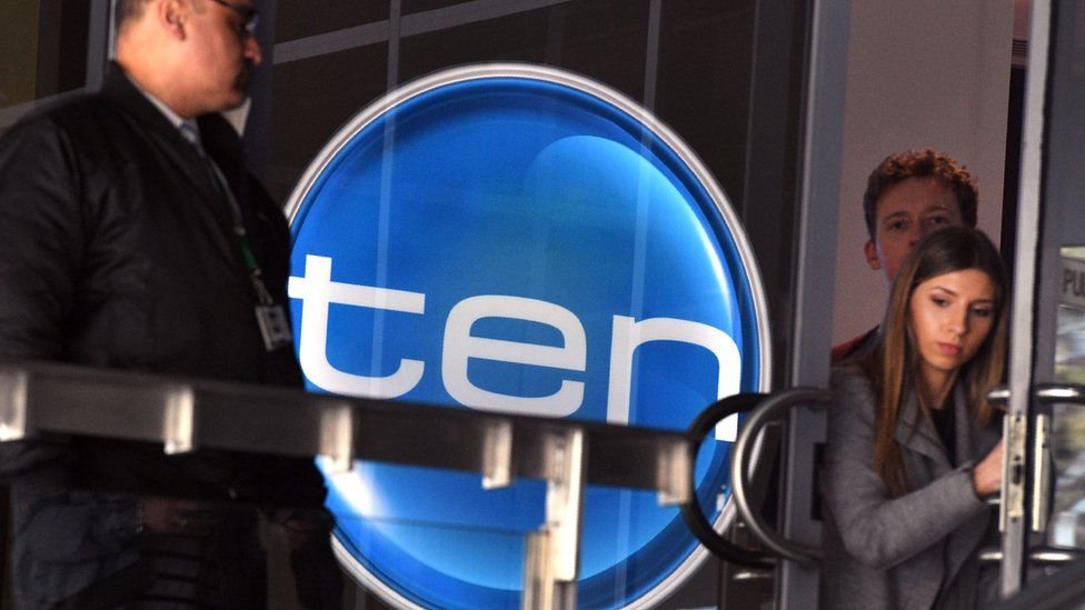 Ten logo with people