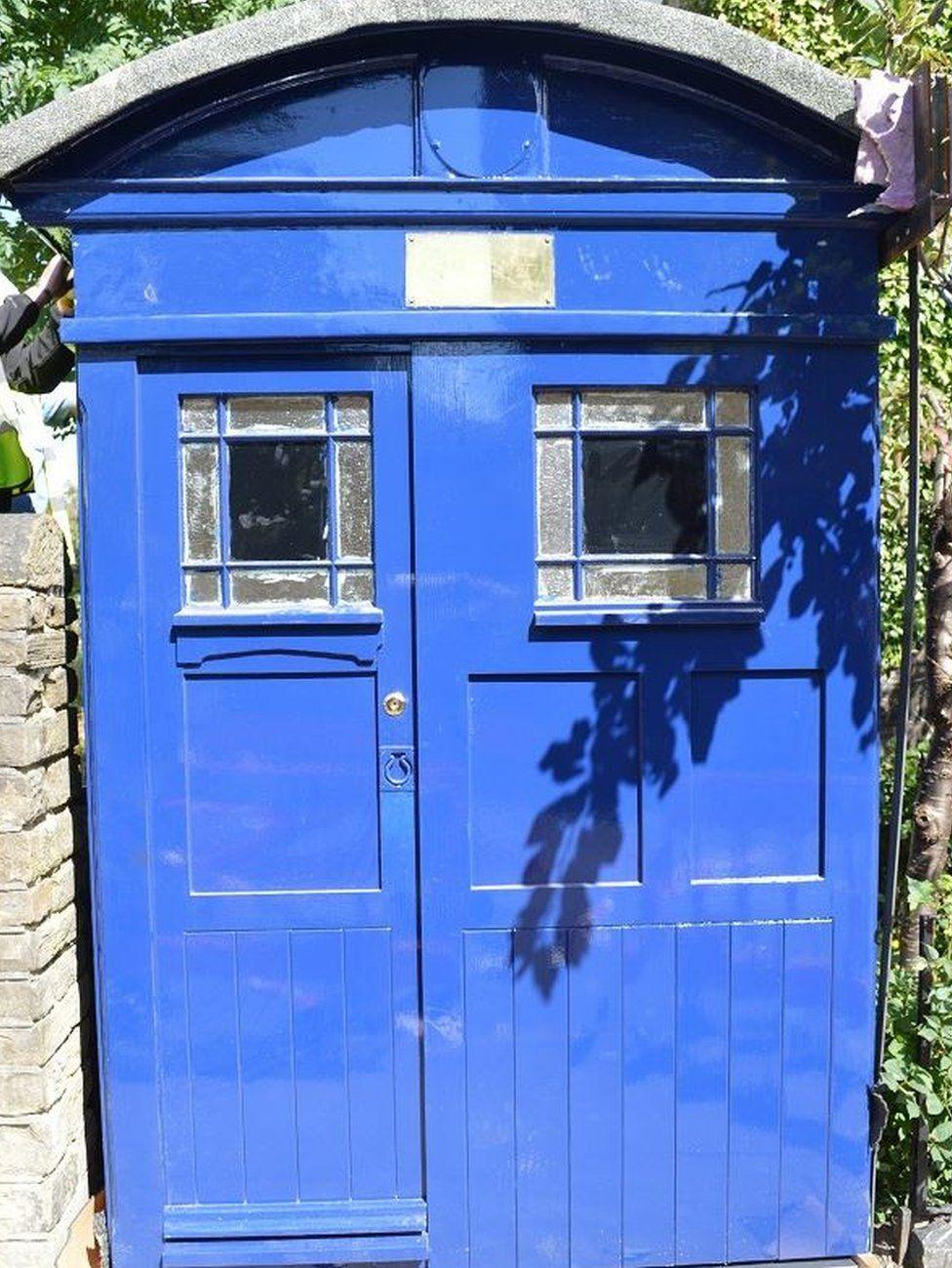Almondbury police box