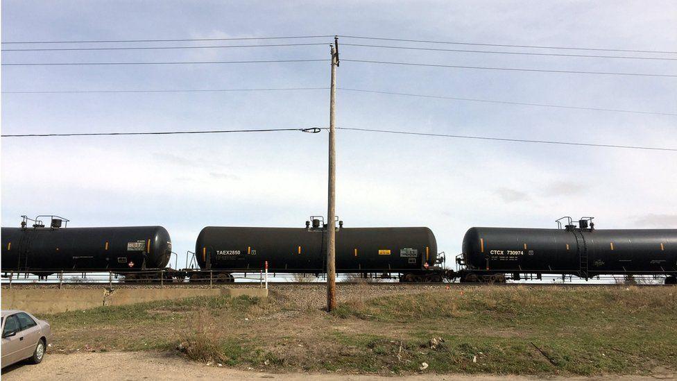 Oil tankers pull through Fargo