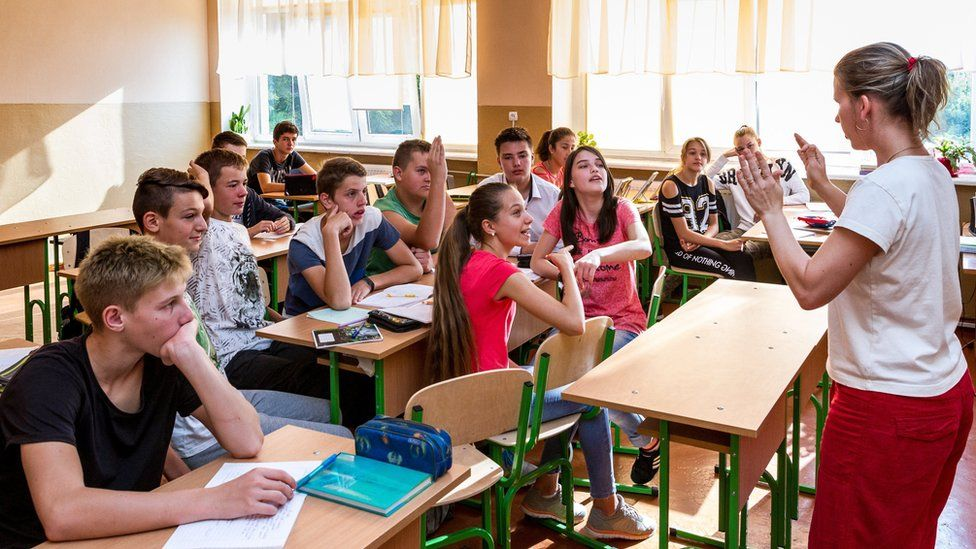 Hungarian language class in Uzhhorod, western Ukraine, 11 Sep 17