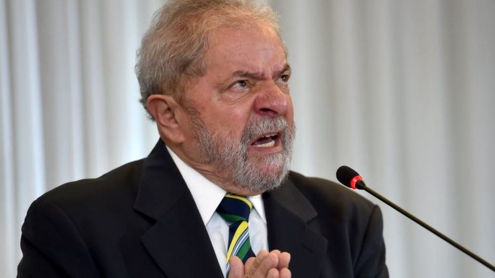 Brazilian former president Luiz Inacio Lula da Silva gestures during a press conference in Sao Paulo, Brazil on March 28, 2016
