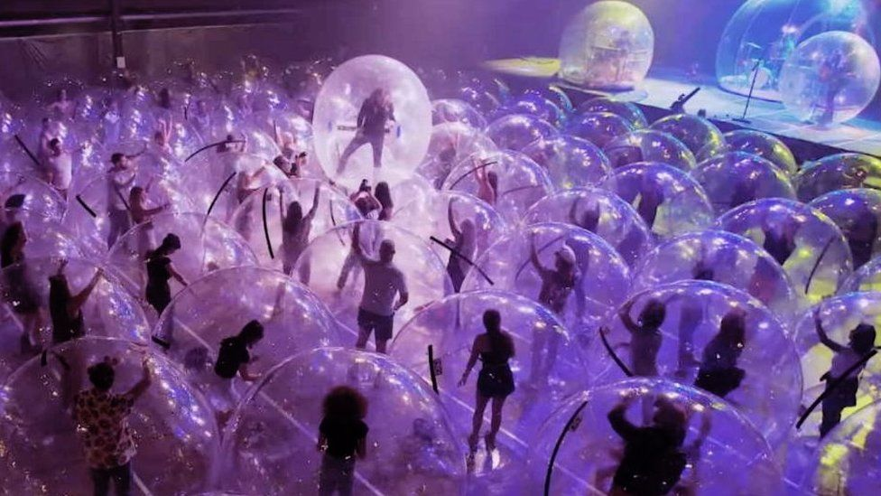 Flaming Lips host 'Space Bubble' concert in Oklahoma City