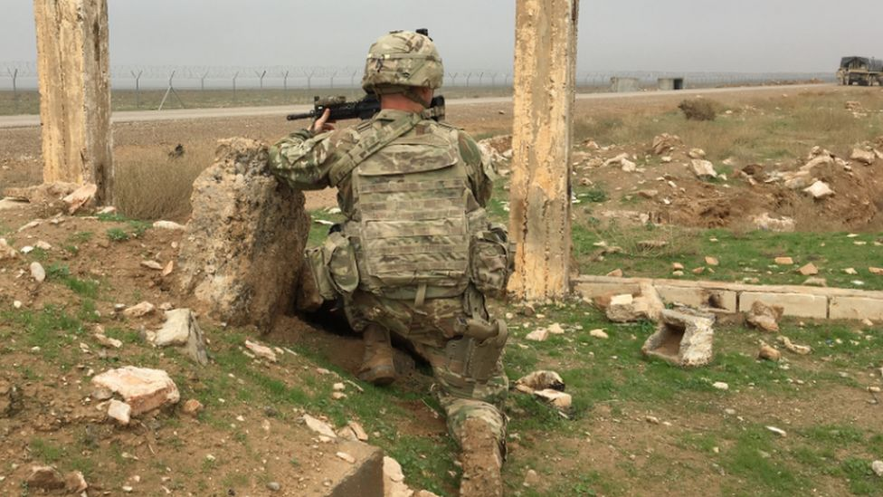 An American soldier on the Iraq-Syria border, 2018