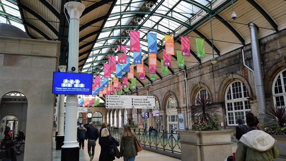 Hull station concourse
