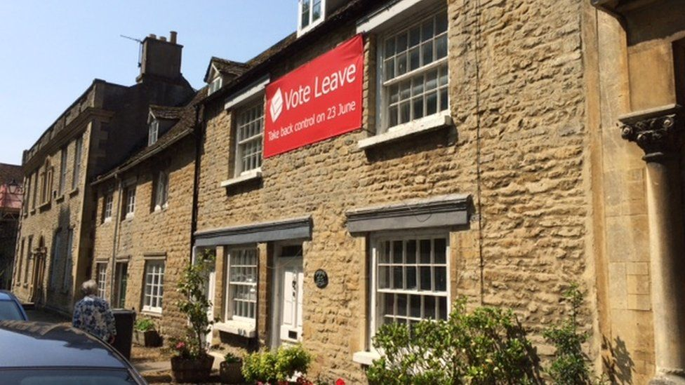 Vote Leave banner on house