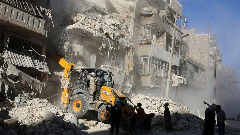 Damaged building after air strikes on the rebel held Tariq al-Bab neighbourhood of Aleppo, Syria September 24, 2016.