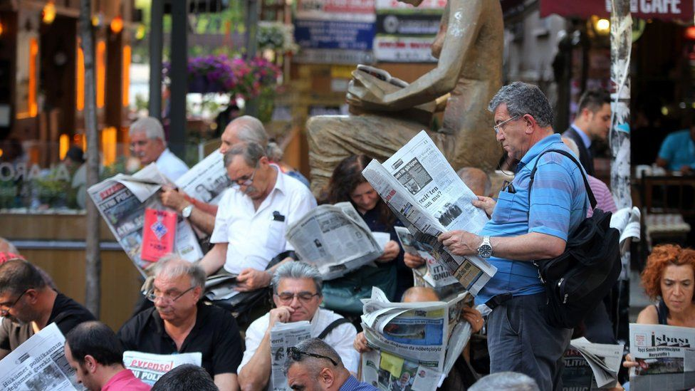 Journalists in Ankara protest against the arrest of their colleagues, June 2016