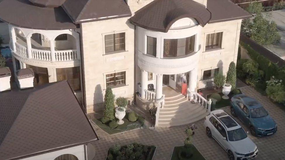 SK video grab showing villa exterior