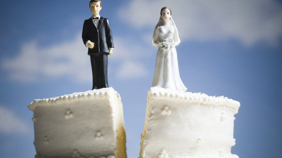 Wedding cake cut in two