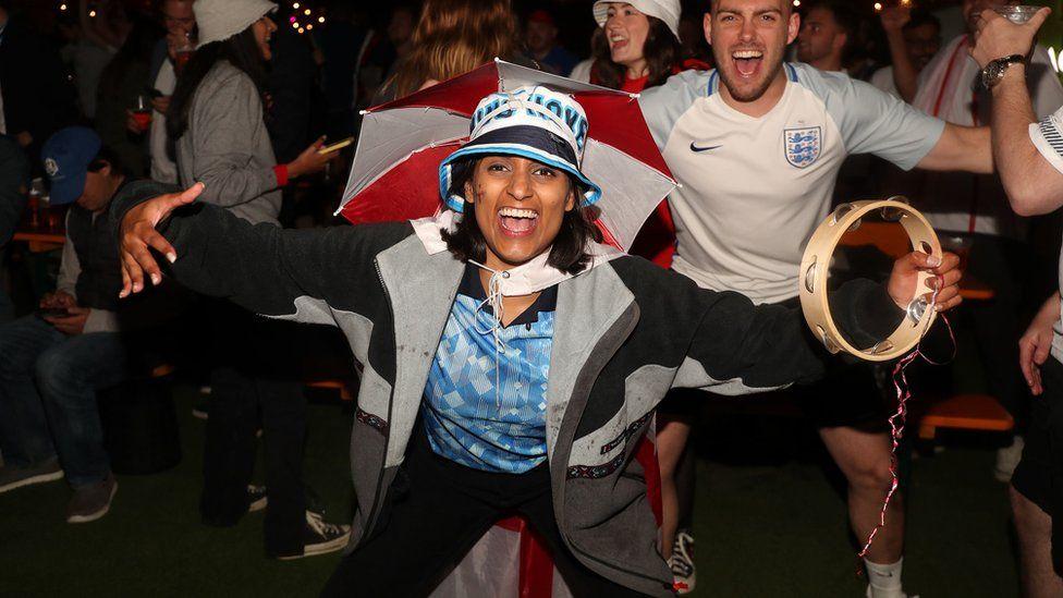 London football fan celebrates