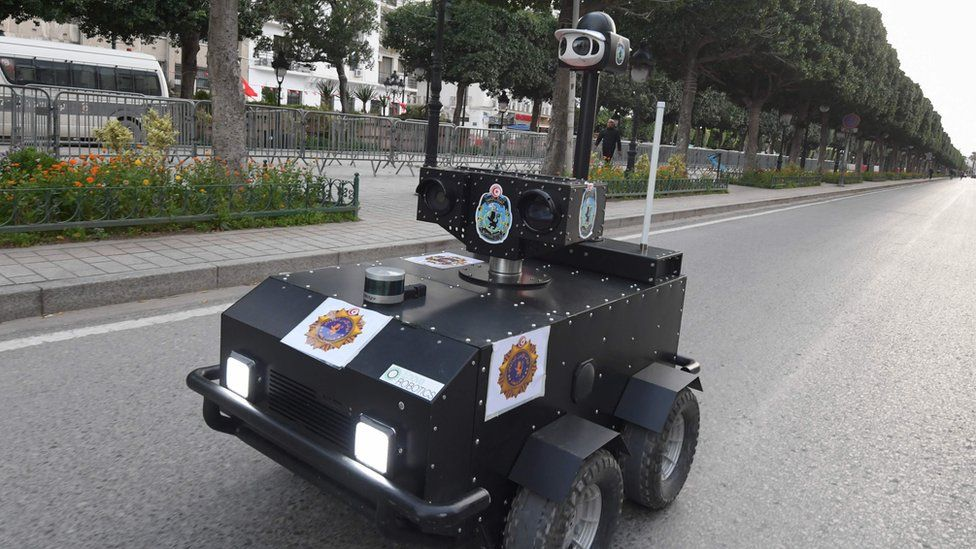 A Tunisian police robot patrols along Avenue Habib Bourguiba in the centre of the capital Tunis on 1 April 2020