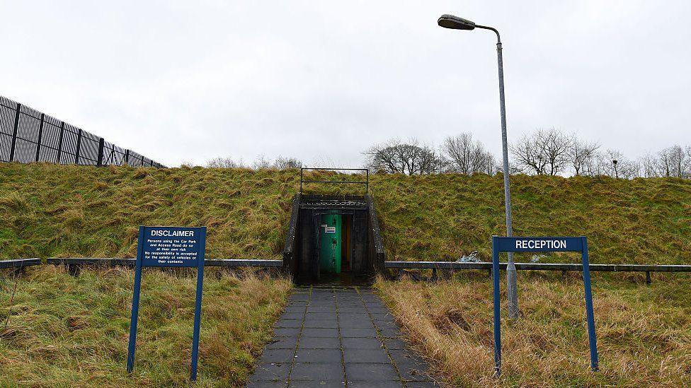 Вход в бункер в Баллимине