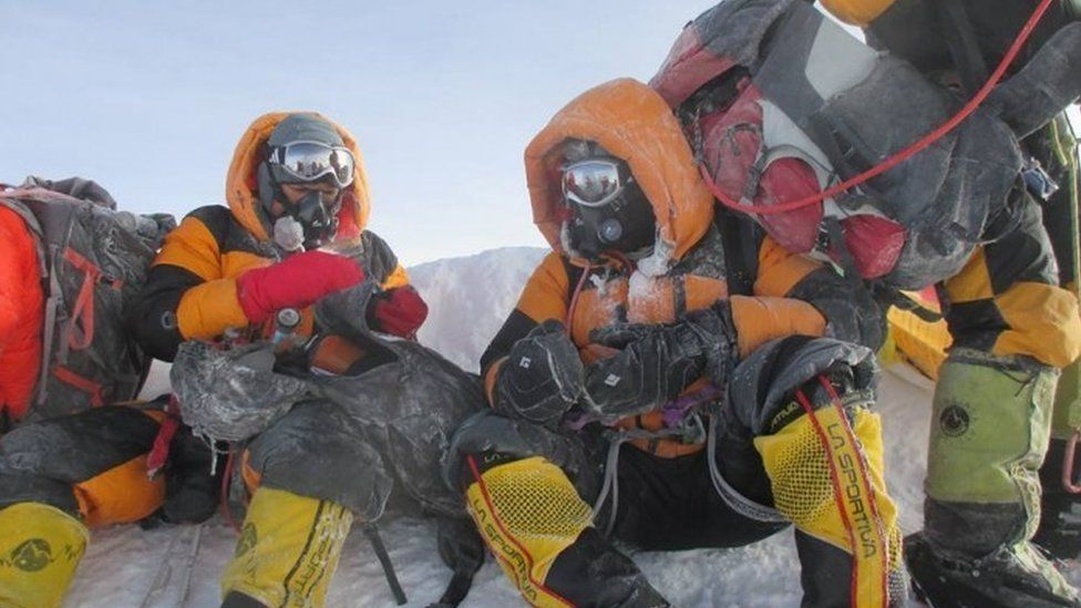 Dinesh and Tarakeshwari Rathod on the Everest climb