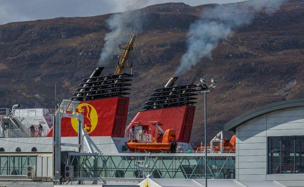 Ferry smoke Ullapool
