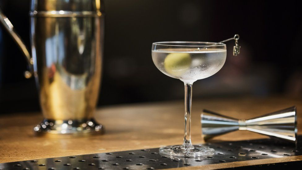MI5 joins Instagram to bust martini-drinking stereotypes thumbnail