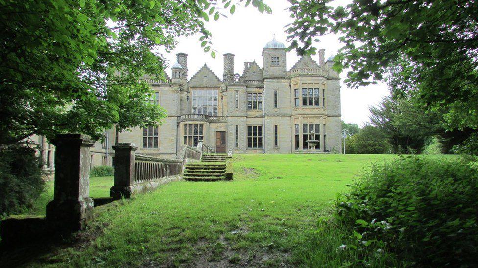 Falkland House