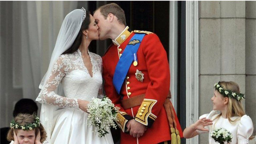 Prince William and Kate Middleton kiss