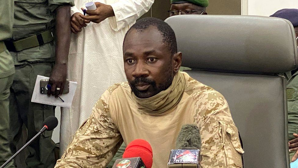 Colonel Assimi Goïta speaks to the press at the Malian Ministry of Defence in Bamako, Mali