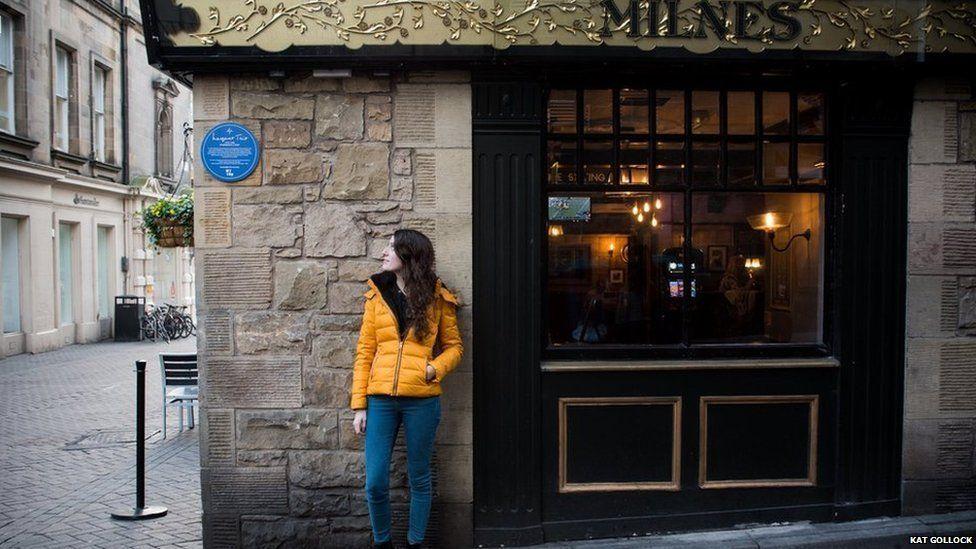 Plaque on Milne's bar, Edinburgh