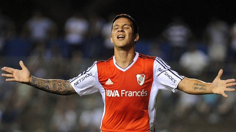 Estos son los 10 equipos de fútbol más valiosos de América Latina - BBC  News Mundo 96dbf8c434b9f