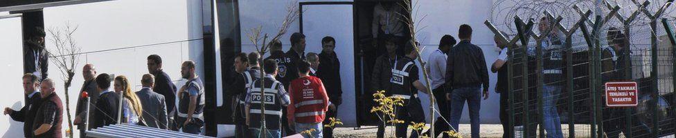 Migrants arrive in Pehlivankoy, Kirklareli, 4 April