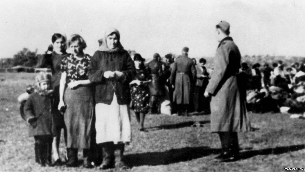 SS round-up of civilians in Lubny, Ukraine, 1941 (pic: Yad Vashem archive)