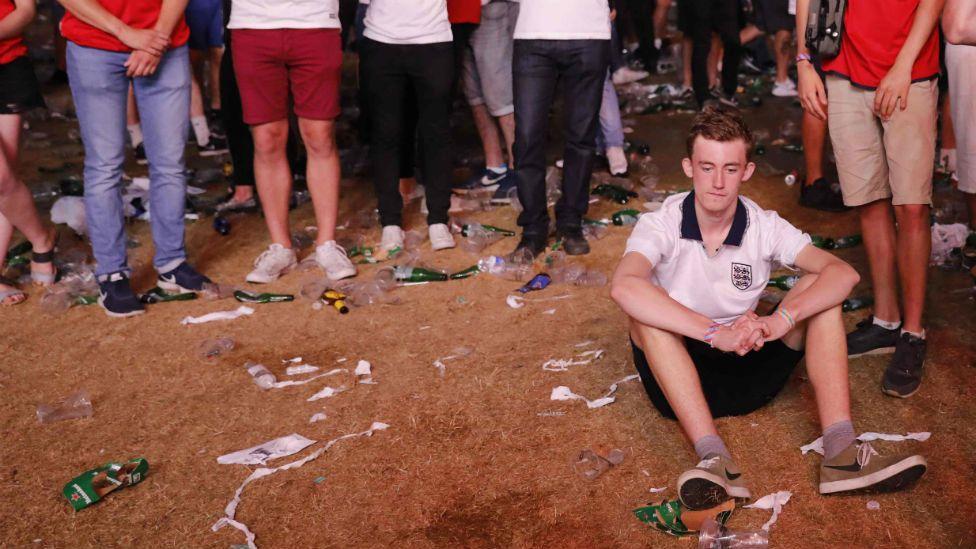 sad England fans