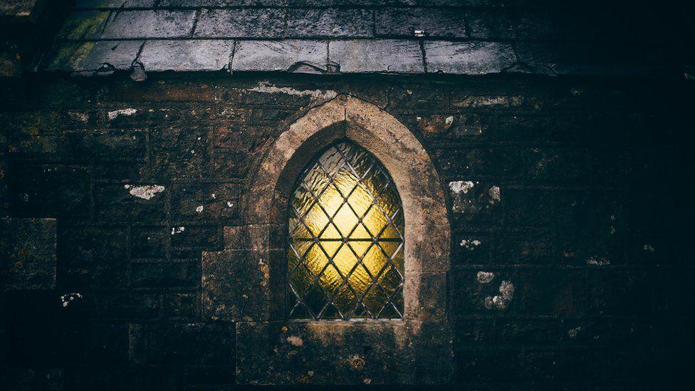 Ffenest yr Eglwys