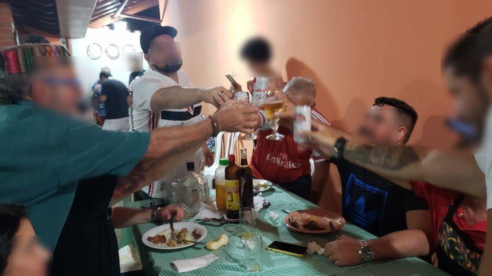 Coronavírus: a festa que pode ter espalhado o vírus em uma família ...