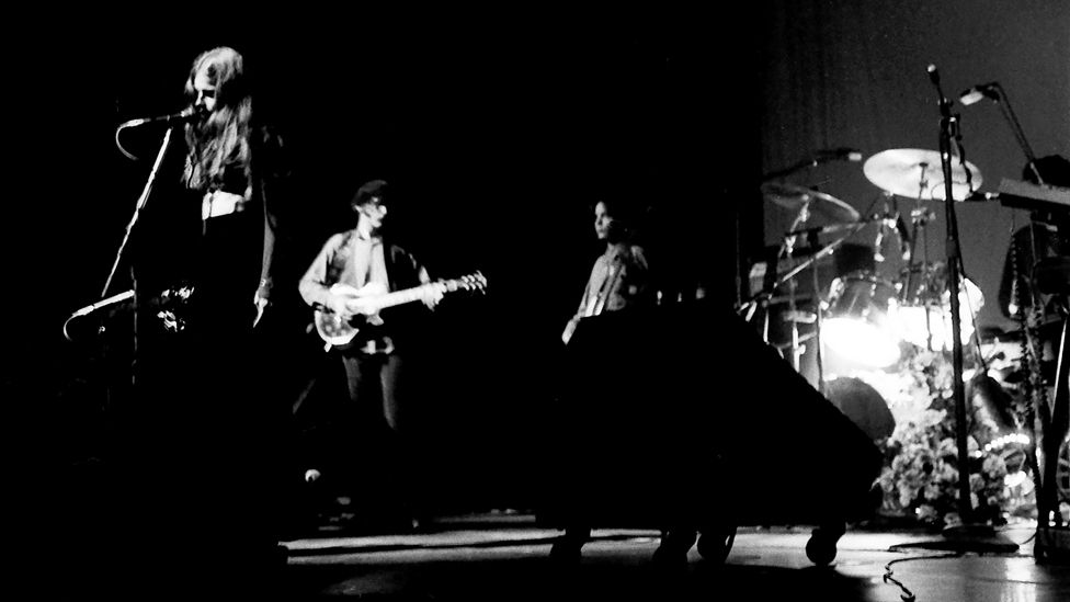 Mazzy Star performing at The Palace, Hollywood, Los Angeles in 1994