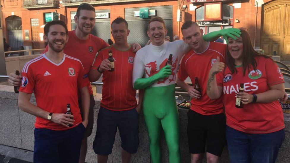 Wales fansn Toulouse ahead of Russia Euro 2016 game