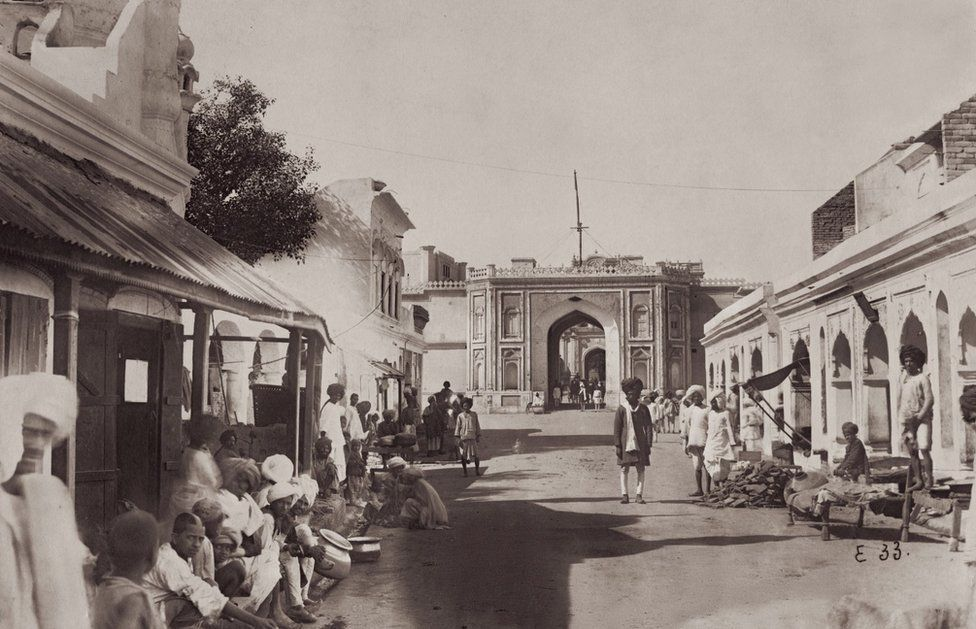 A street Leading to City Palace, Jaipur