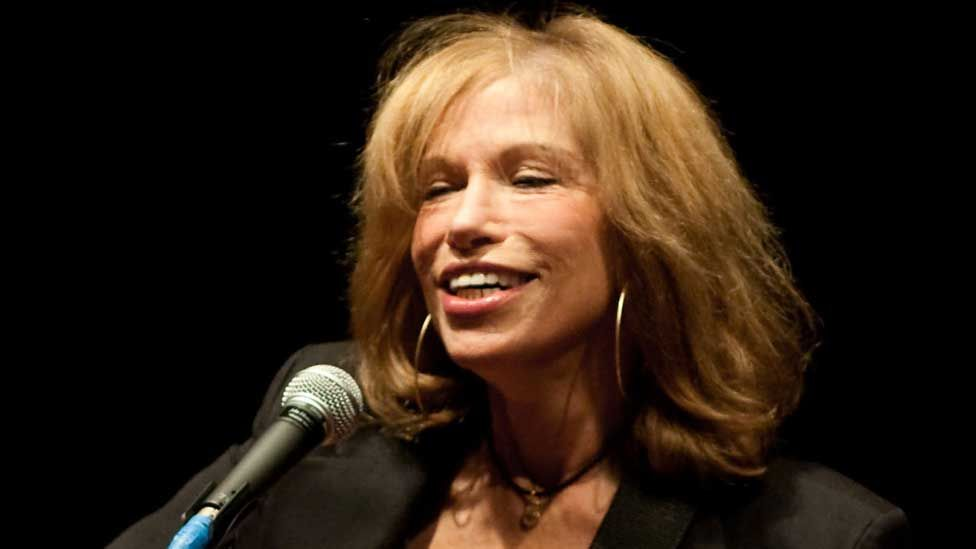 Carly Simon in 2010